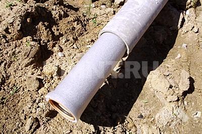Пластиковая труба в изоляции