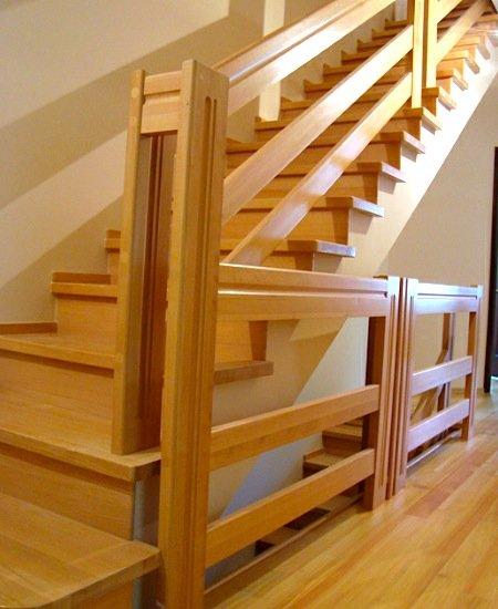 Перила деревянные для лестниц своими руками