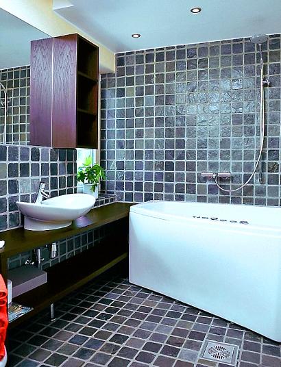 Однотонная плитка в ванне дизайн