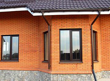 Светлый и уютный загородный дом. Правильно выбираем окна