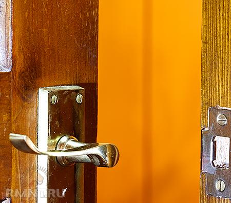 Как отреставрировать двери