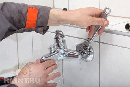 Как поменять кран в ванной своими руками видео