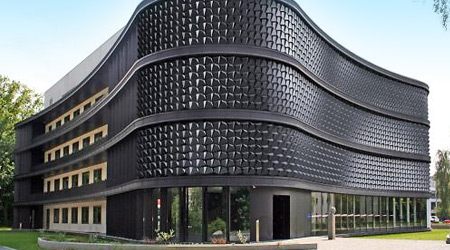 Krásne fasády výškových budov fotografií