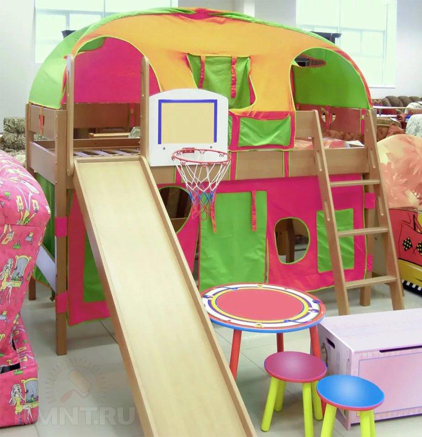 Удачное решение для детской — двуэтажная, вообщем то, кровать