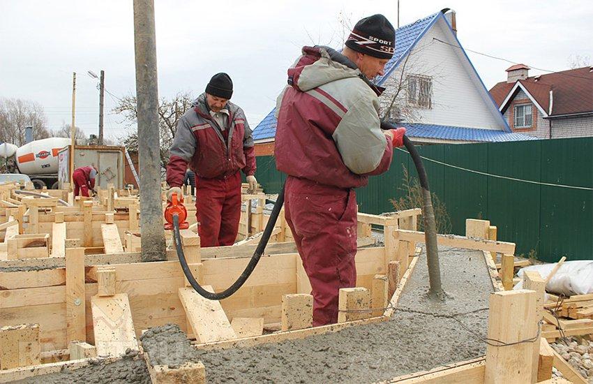 Уплотнение бетона вибрированием