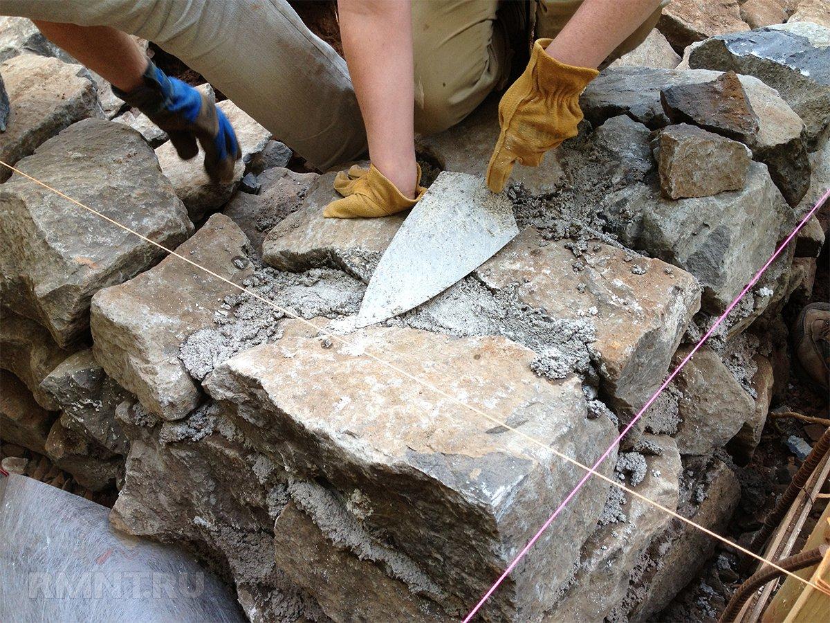 Кладка бутового камня под лопатку