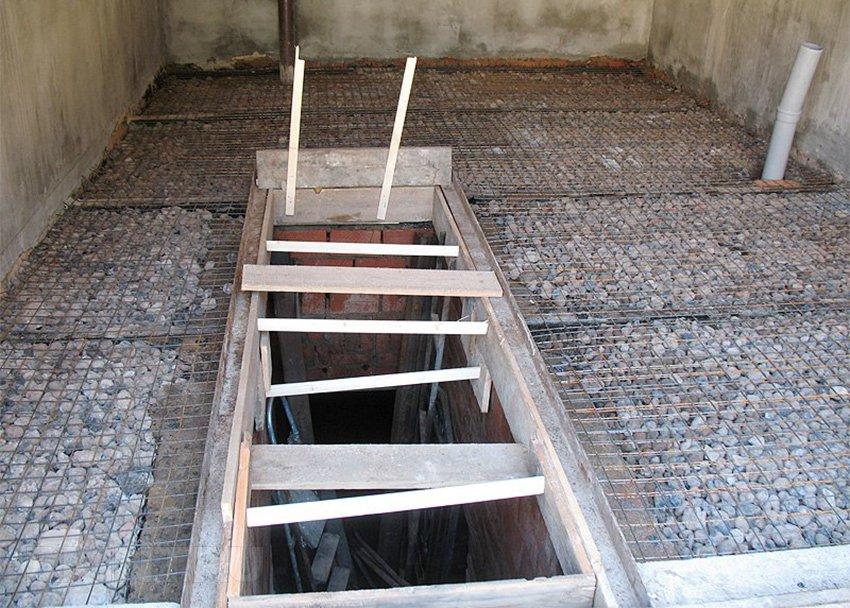 Бетонный пол в гараже: заливка бетона, покраска RMNT.RU
