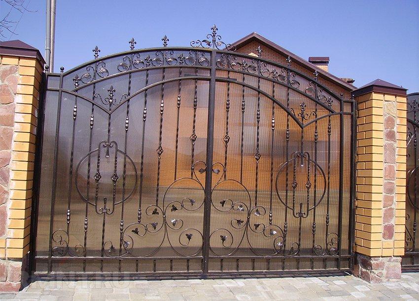 Ограждение участка забором своими руками