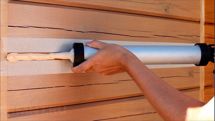 Конопатка швов сруба деревянного дома своими руками RMNT.RU