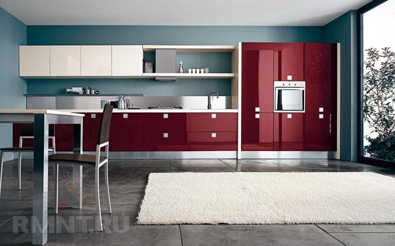 Гранатового цвета кухни