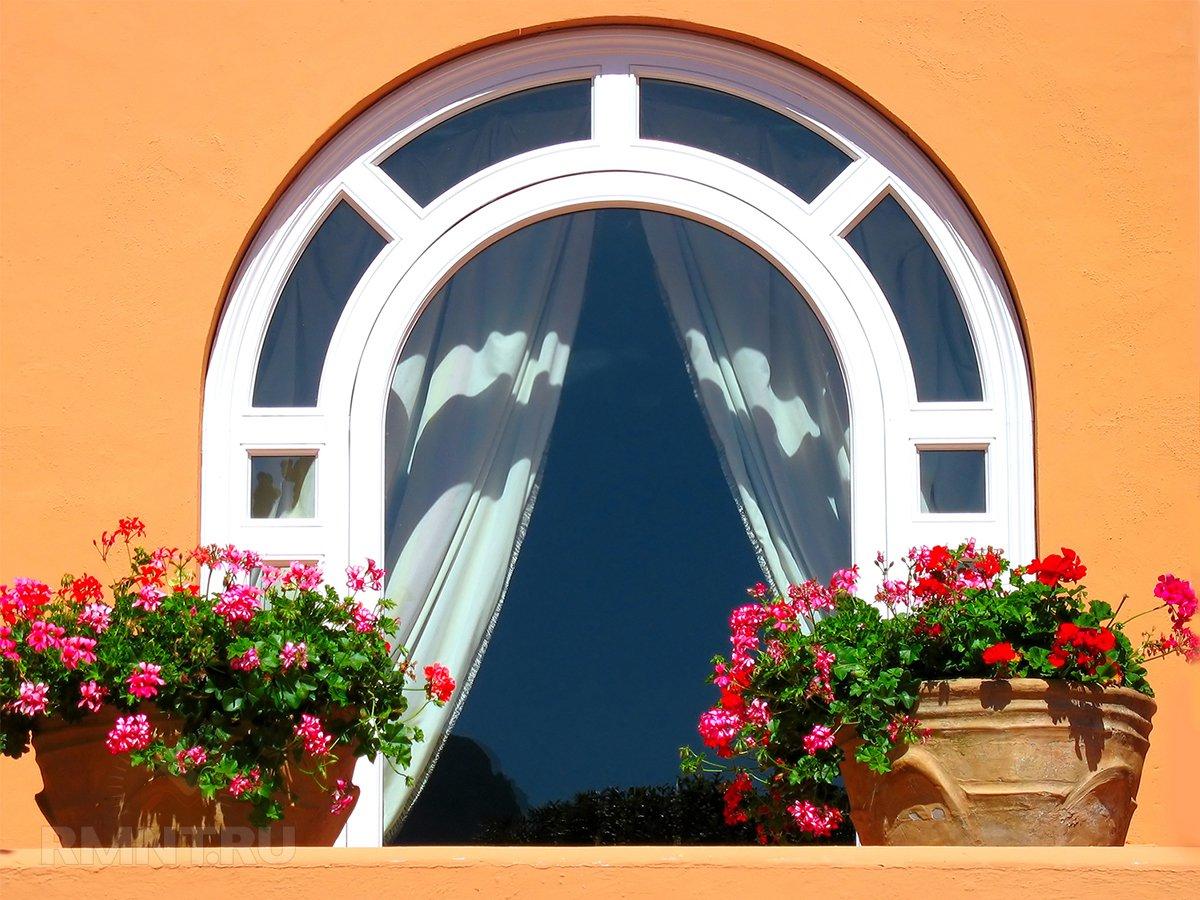 Арочное окно VEKA