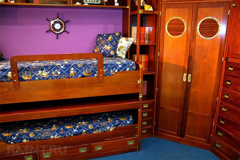 Удачное решение для, как мы с вами постоянно говорим, детской — двуэтажная кровать