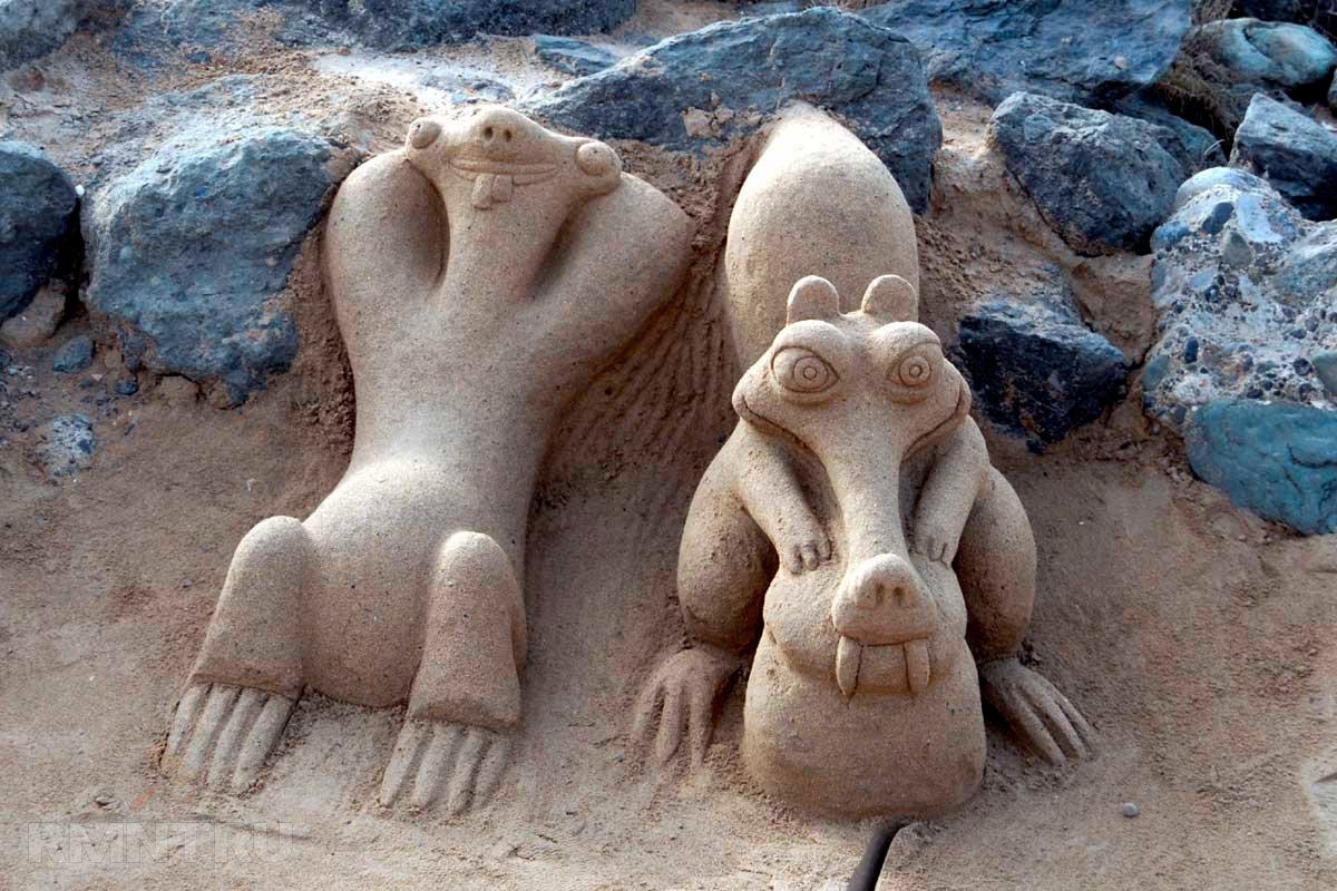 скульптура из песка фото осенью можем видеть