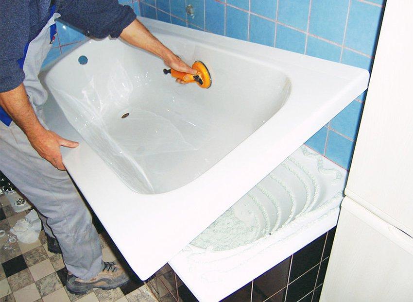 Акриловая вставка в ванну цена москва