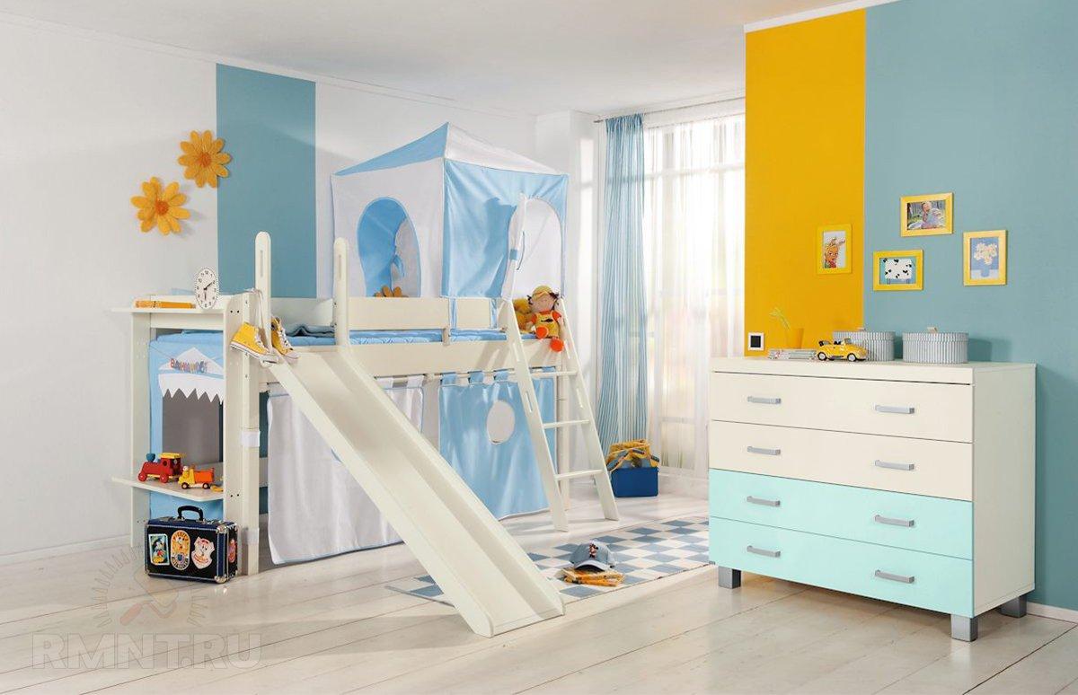 Удачное решение для, как всем известно, детской — двуэтажная так сказать кровать