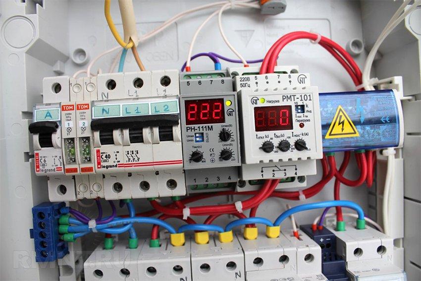 Щитовое оборудование: контакторы, пускатели, УЗИП и другая автоматика