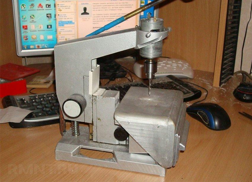Мини-станок для сверления печатных плат