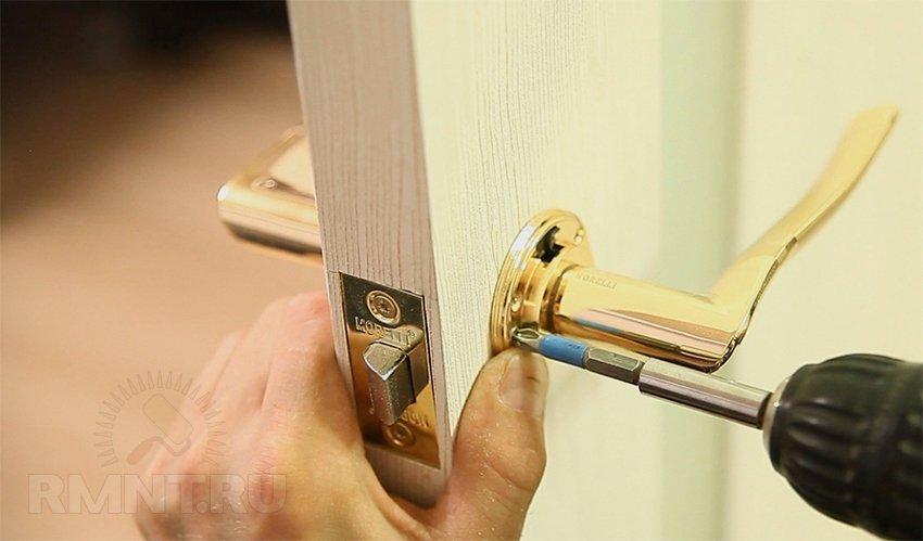 Пошаговая установка межкомнатных дверей своими руками