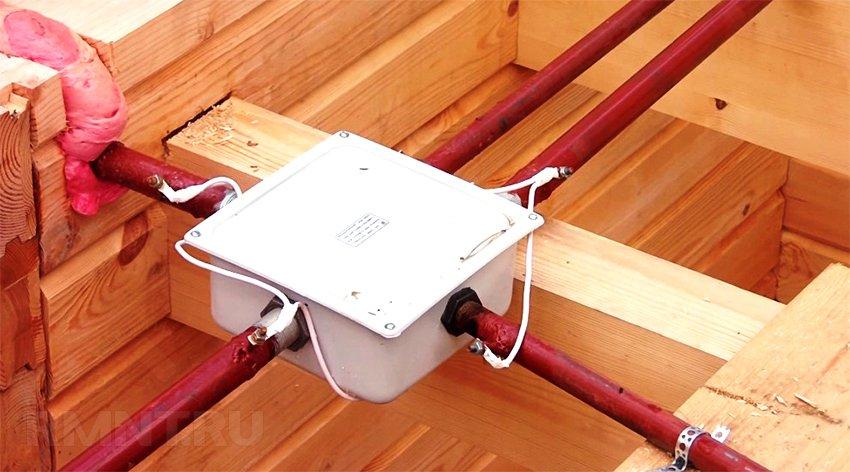 Разводка электропроводки в деревянном доме своими руками 9