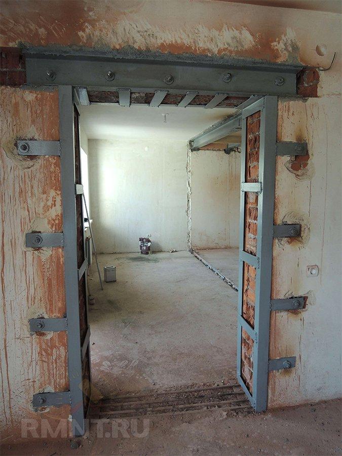 можно ли в несущей стене делать дверь