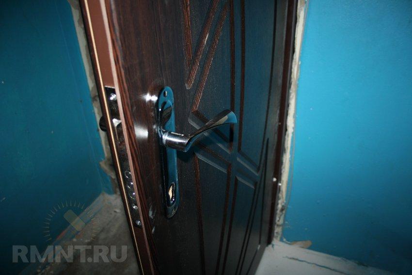 Установка входной металлической двери. Фотоинструкция