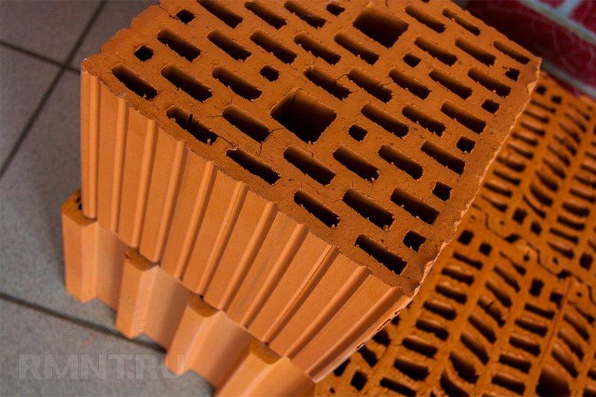 Особенности строительства дома из поризованных керамических блоков