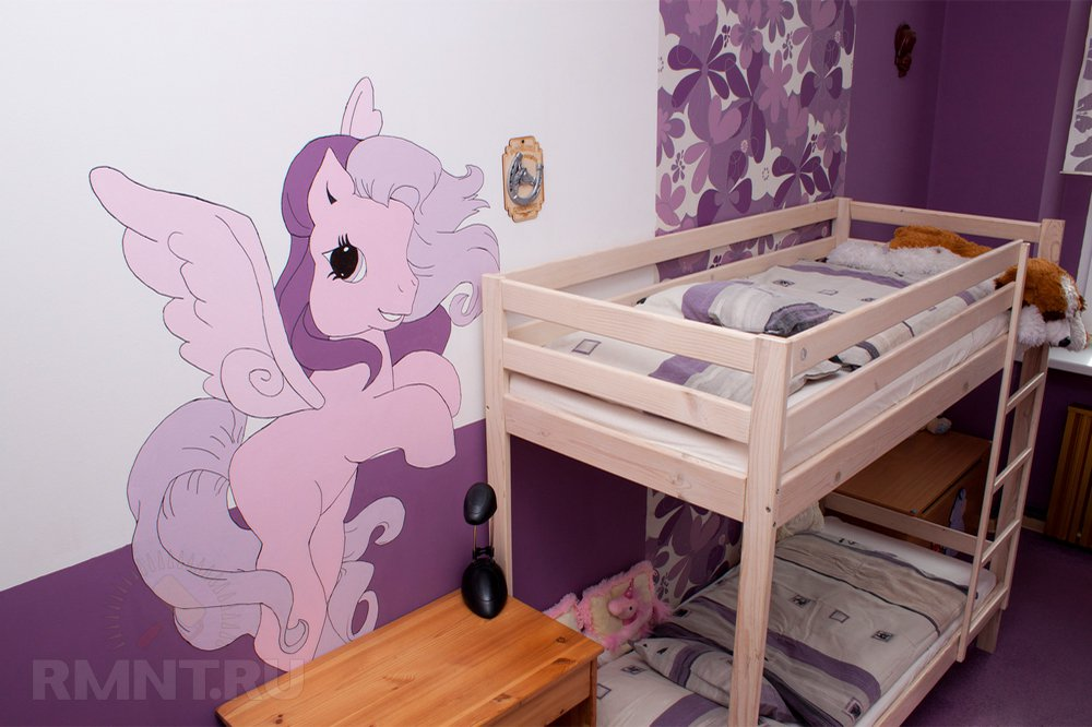Удачное решение для детской — двуэтажная, мягко говоря, кровать