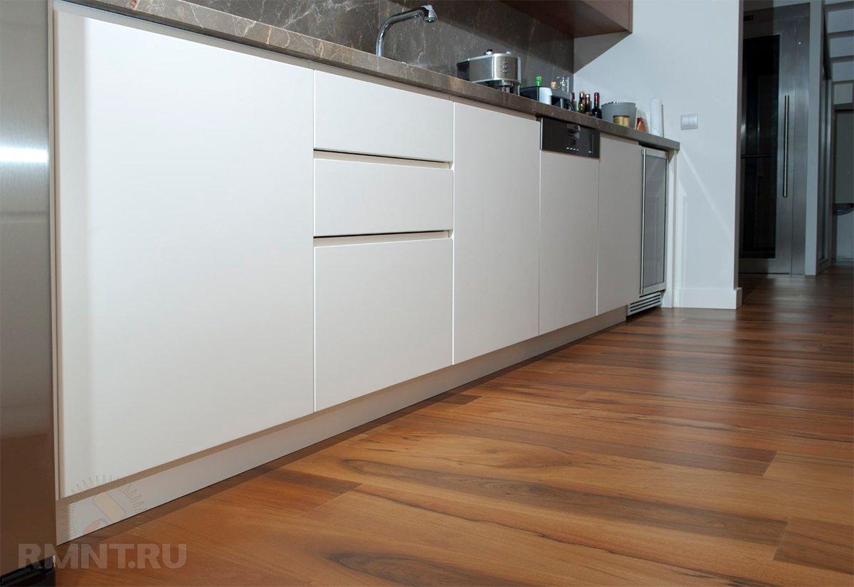 Почему не стоит стелить ламинат на кухне