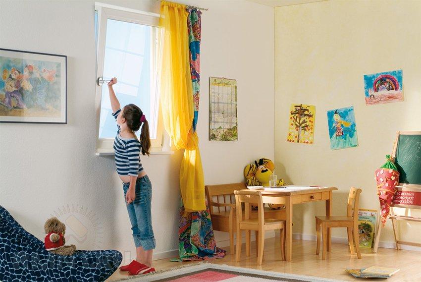 Фурнитура для детей Roto Tilt First
