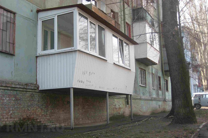 Пристроить балкон на первом этаже сколько стоит в спб