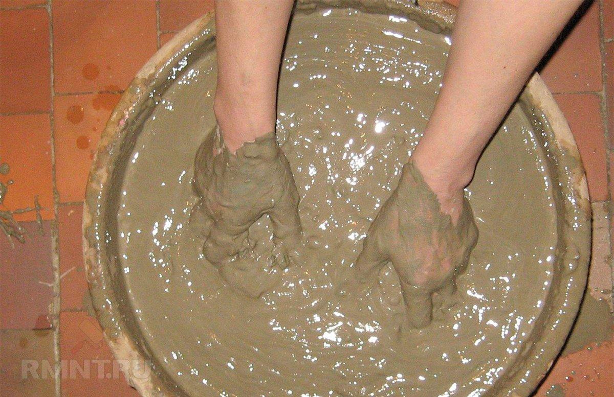 Приготовление глиняного раствора для облицовки печи
