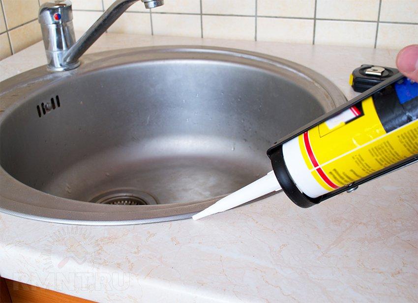 Установка кухонной мойки. Как врезать раковину в столешницу