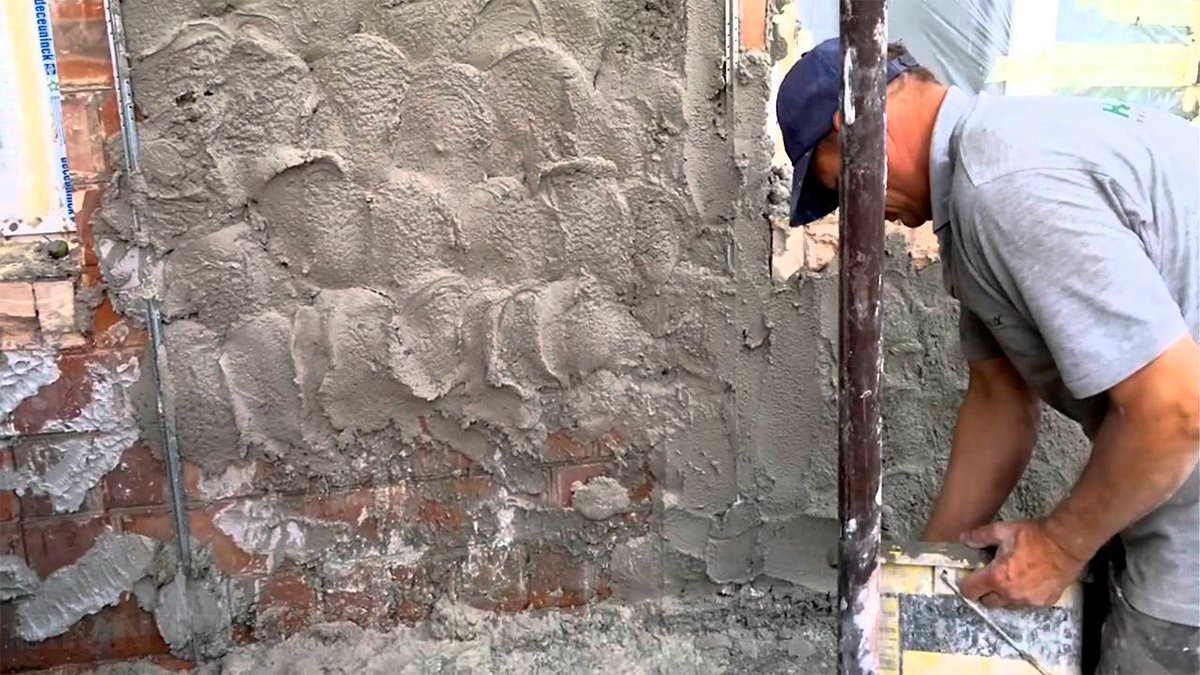 Как штукатурить стены снаружи своими руками 12
