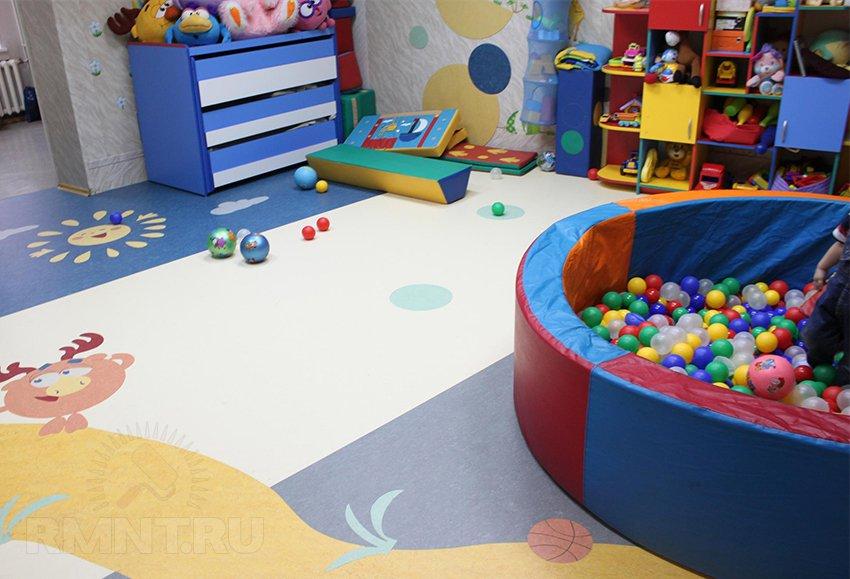 Натуральный линолеум в детской комнате