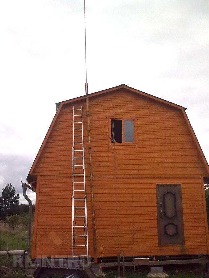 Молниеотвод на деревянной мачте