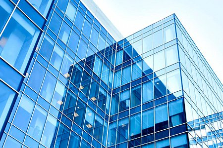 Инвестиции в коммерческую недвижимость снизились на 44%