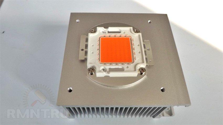 Монтаж мощного светодиода на радиатор