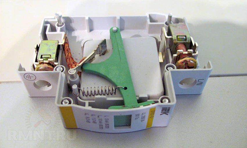 Устройство защиты от импульсных перенапряжений: применение и схема монтажа