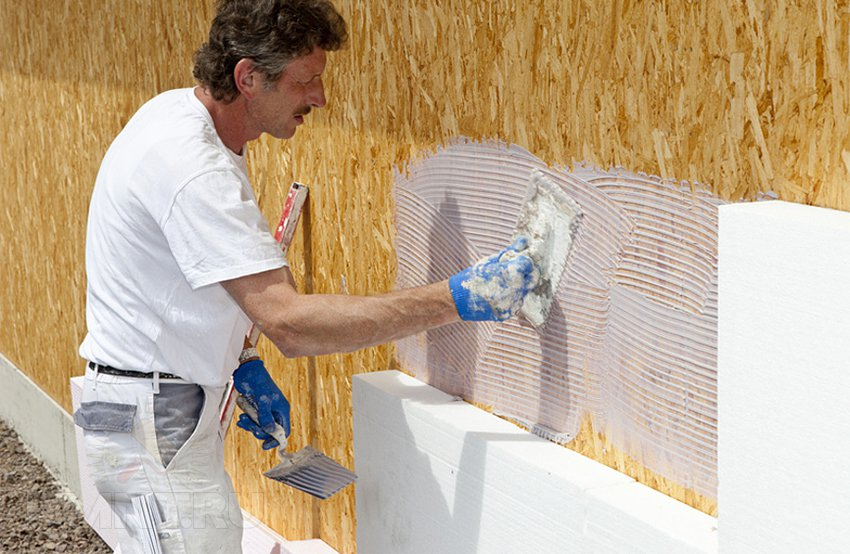 Монтаж мокрого фасада на каркасный дом