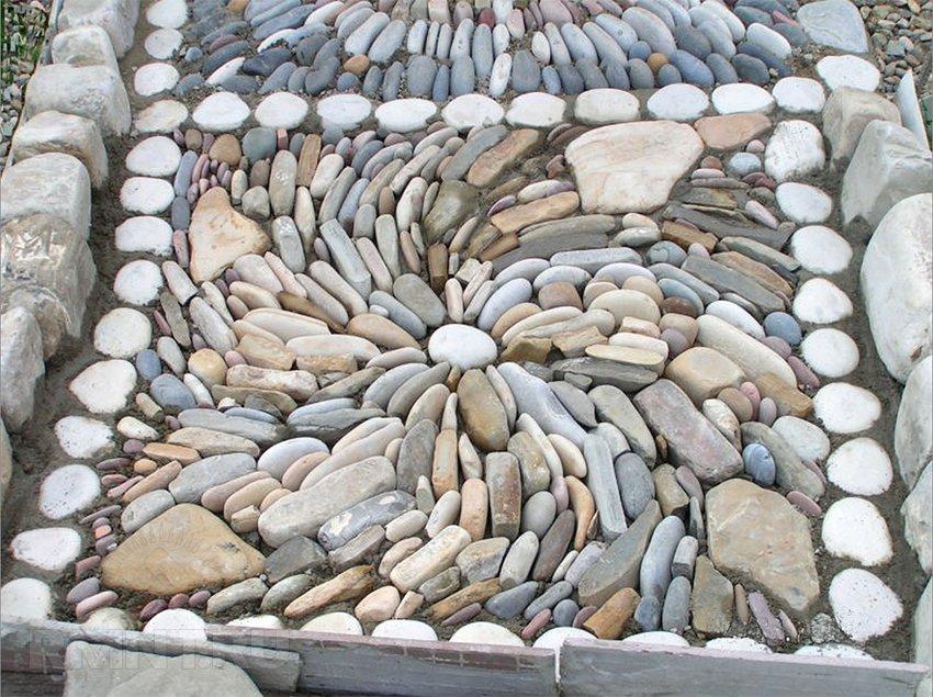 Дорожка из плоских камней своими руками 28