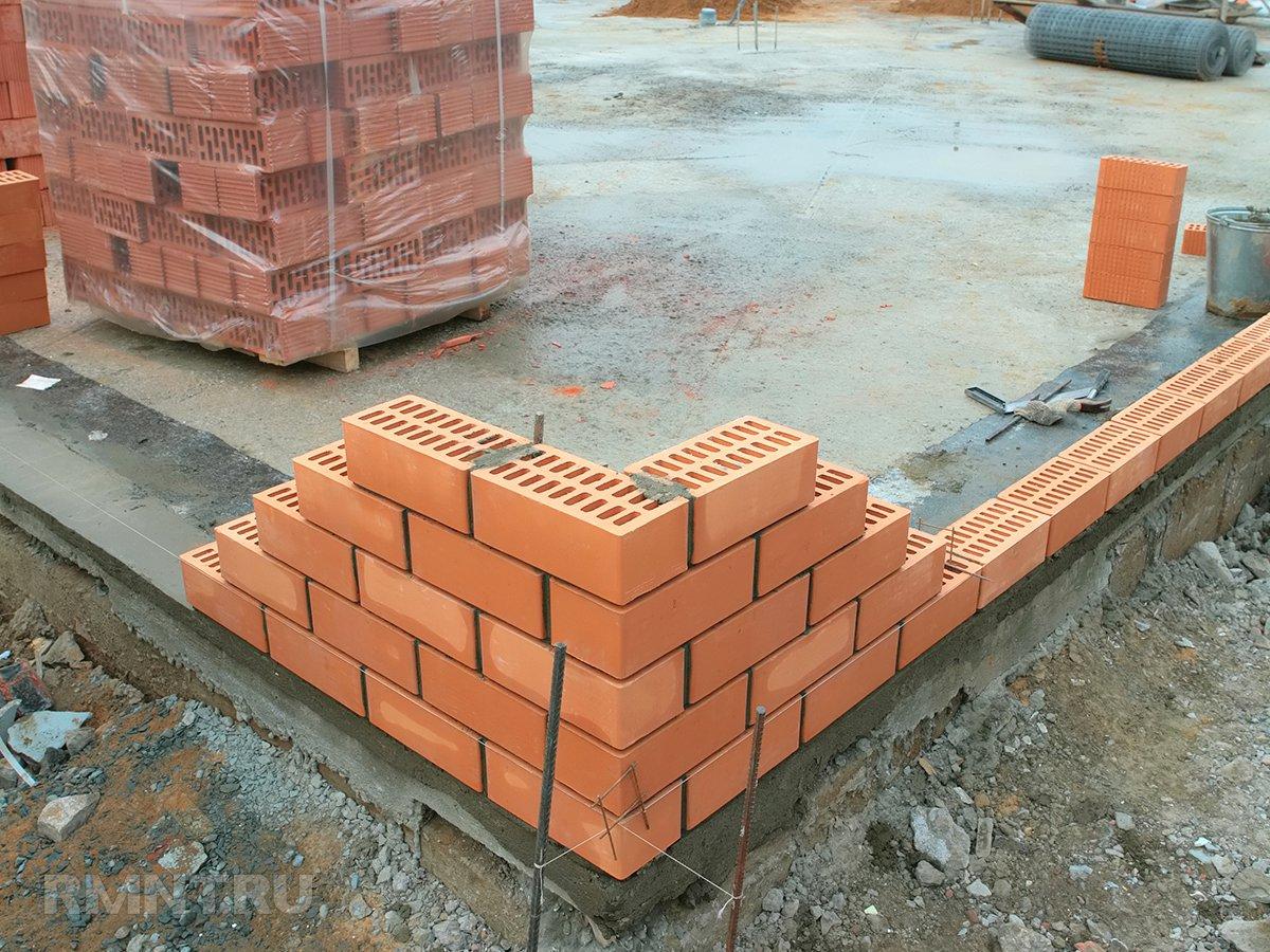 Монолитный плитный фундамент