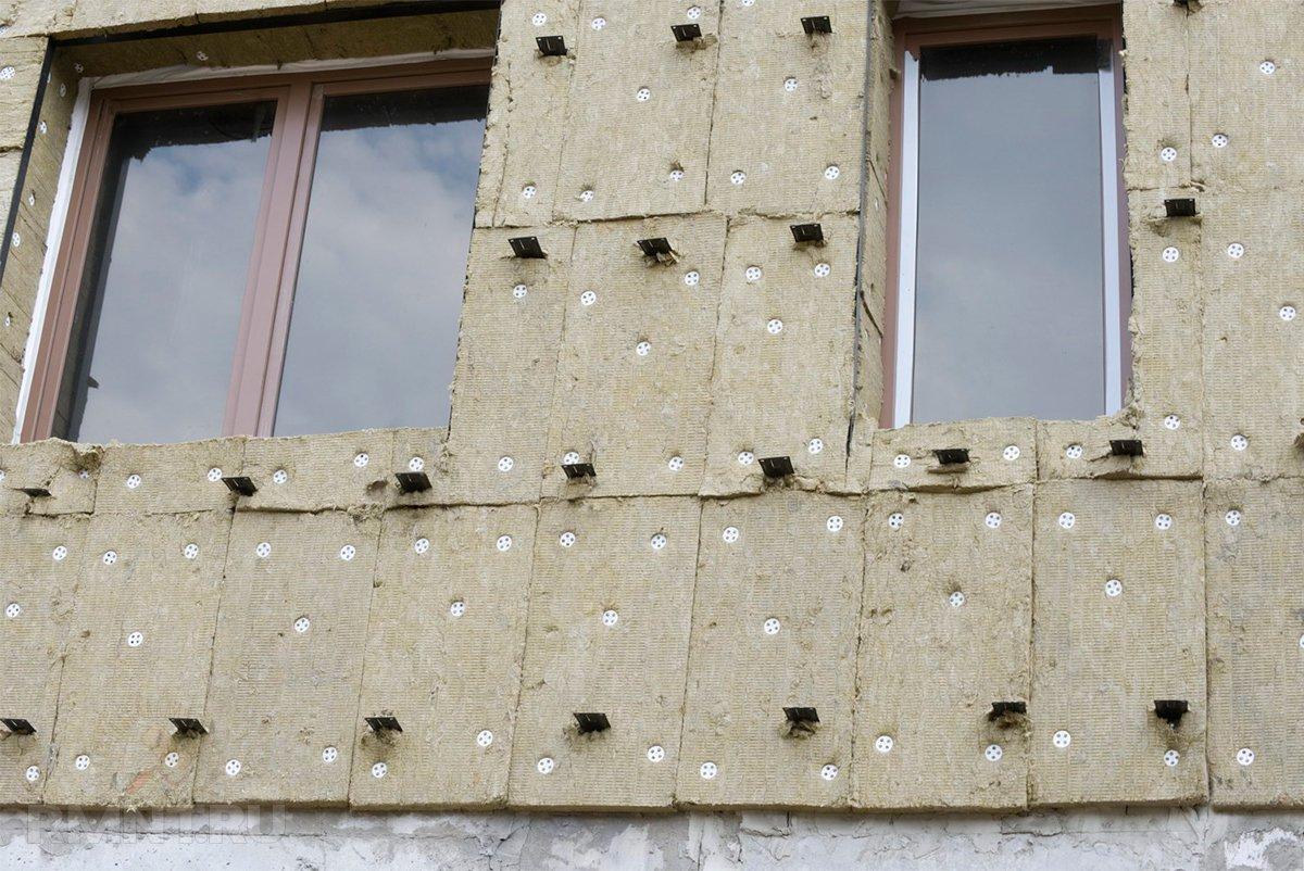 Утепление стен кирпичного дома под штукатурку