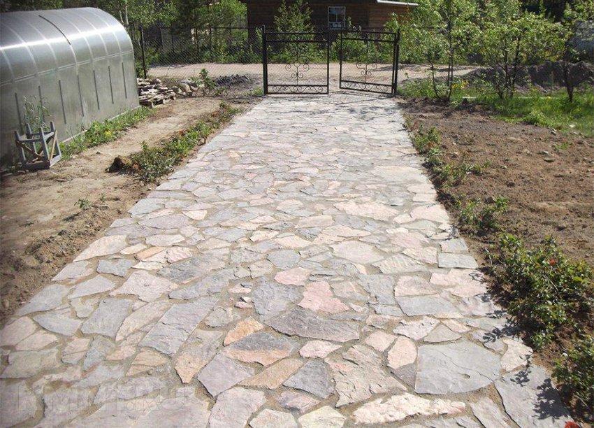 Площадки входов из натурального камня