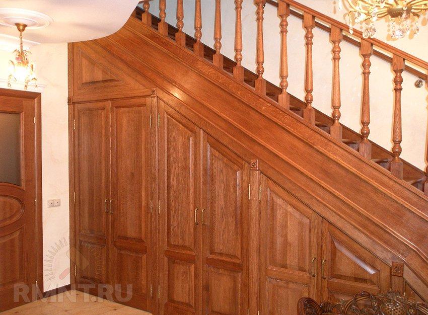 Хранение под лестницей Фотографии красивых