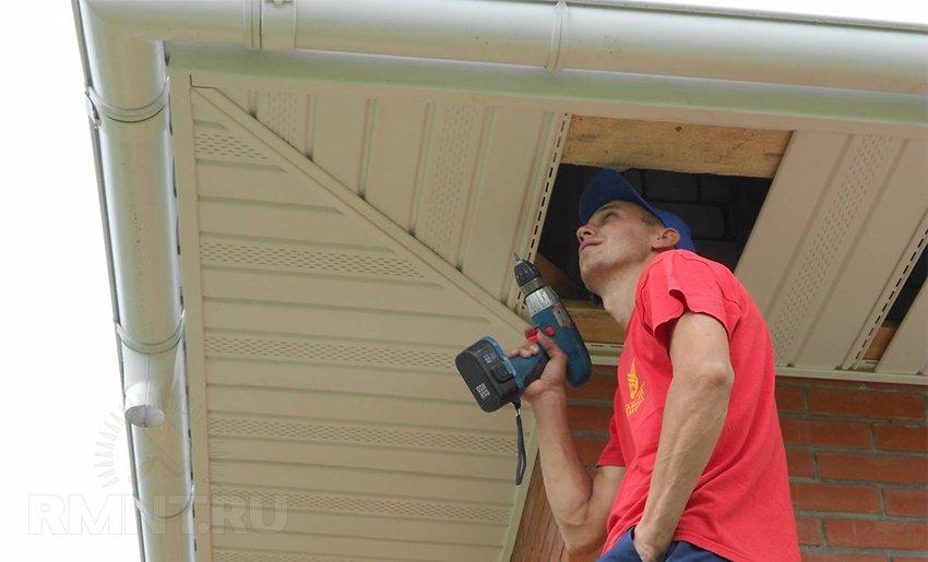 Металлический сайдинг для фасадной отделки