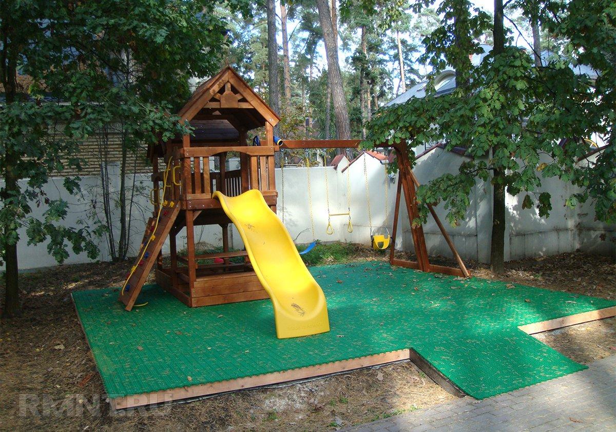 Как сделать покрытие для детской площадки 588