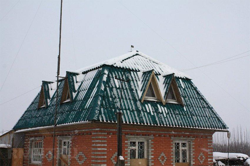 Волновой шифер на крышу: как положить кровлю на 50 лет