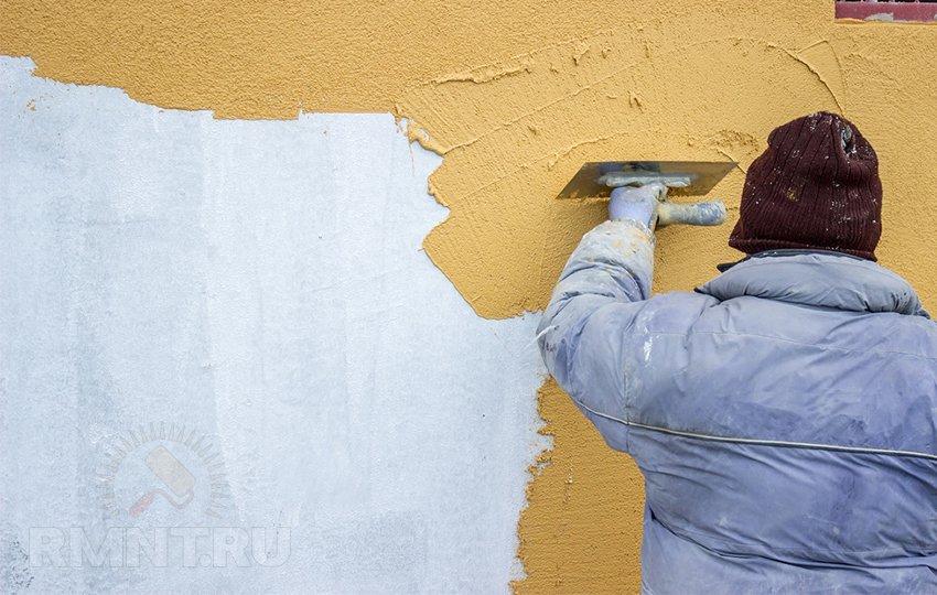 Нанесение фасадной штукатурки зимой
