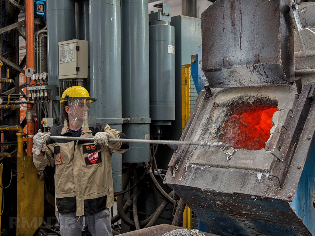 Литьевой сплав для изготовления биметалличсеких радиаторов