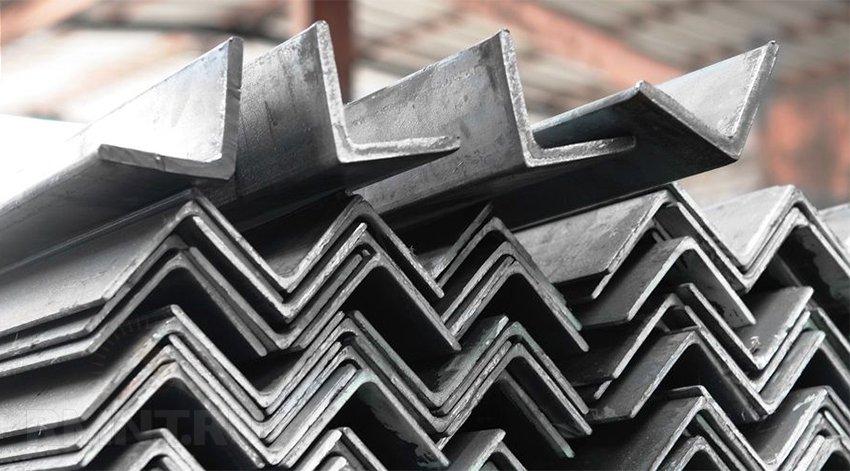 Уголки из углеродистой стали